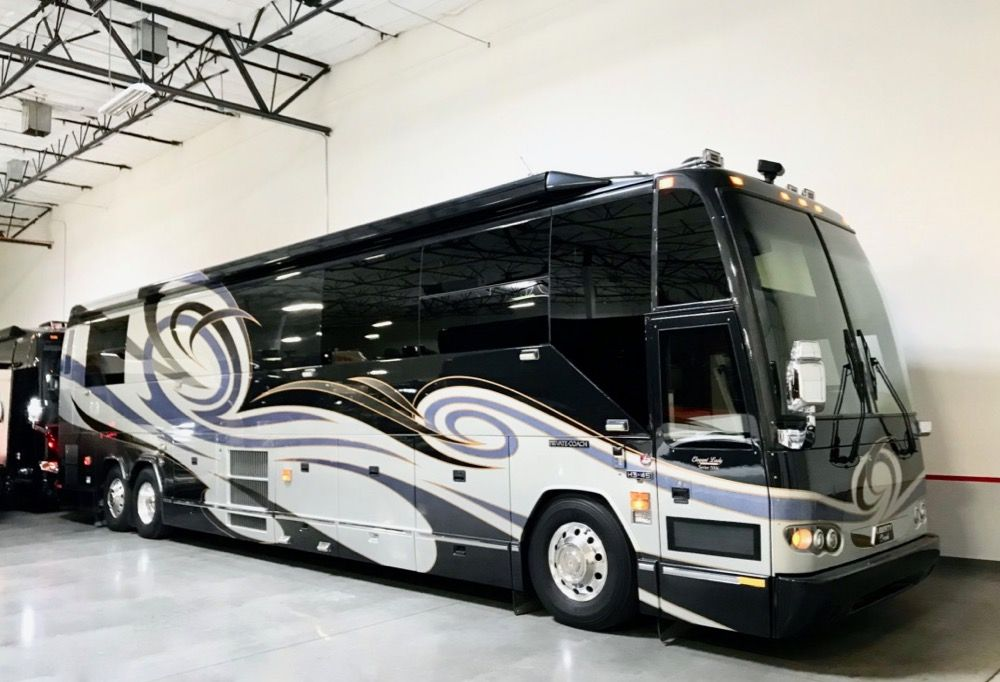 "Image Description of ""2006 Prevost Liberty Elegant Lady H3-452S""."