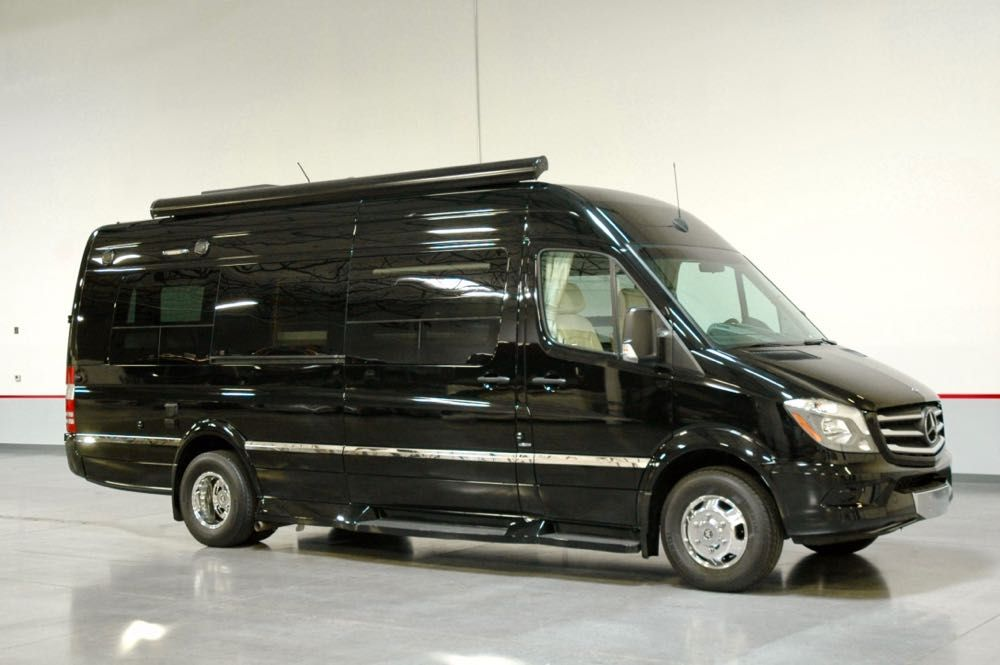 "Image Description of ""2015 Winnebago ERA Touring Coach""."